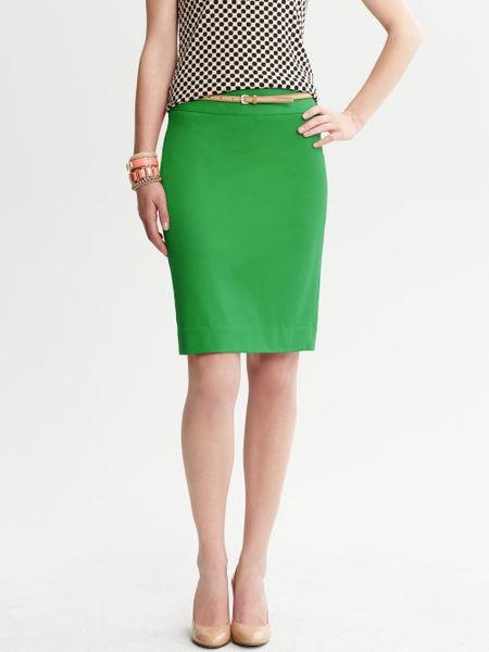 banana republic sloan pencil skirt in green emerald lyst