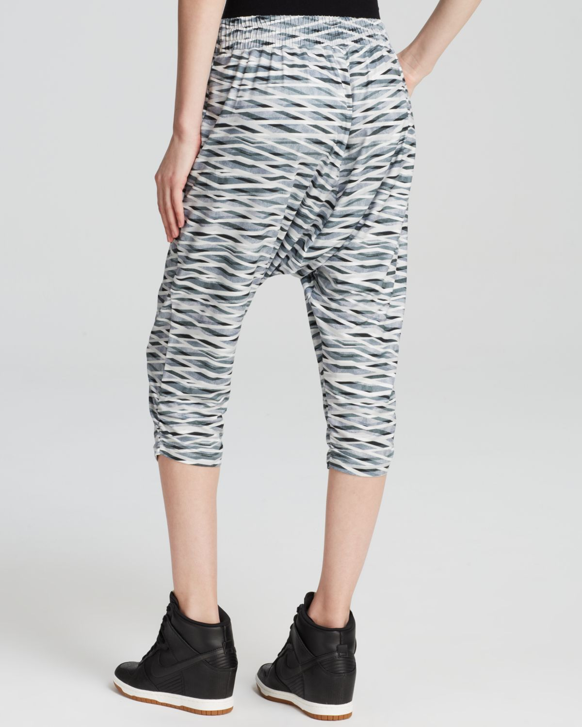 Unique Nike 39Avant Move  Tiger39 DriFIT Harem Capri Pants  Nordstrom