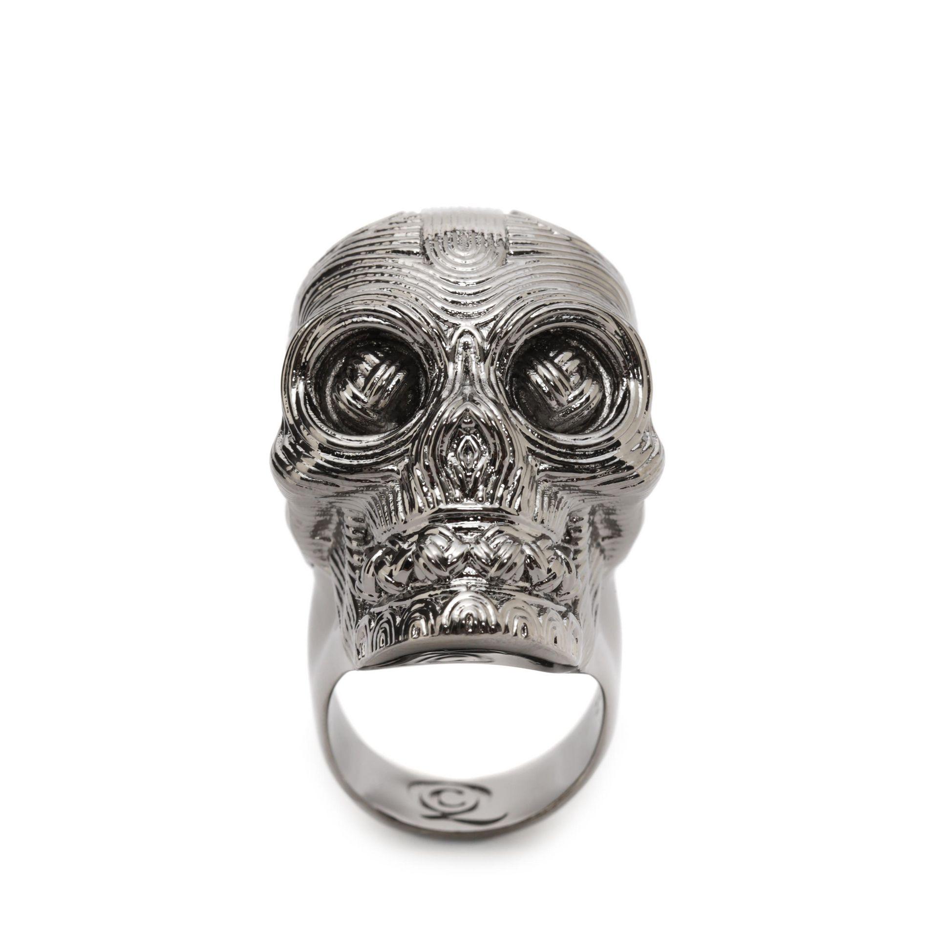 Alexander McQueen Diamante Skull Ring in Silver (Metallic)