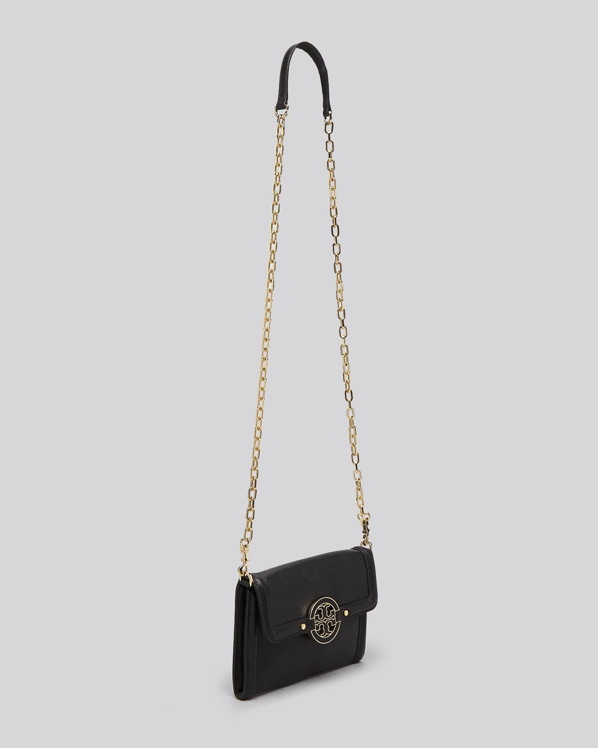 5d7e0cd1deb Gallery. Previously sold at  Bloomingdale s · Women s Wallet On Chain  Women s Tory Burch Amanda ...