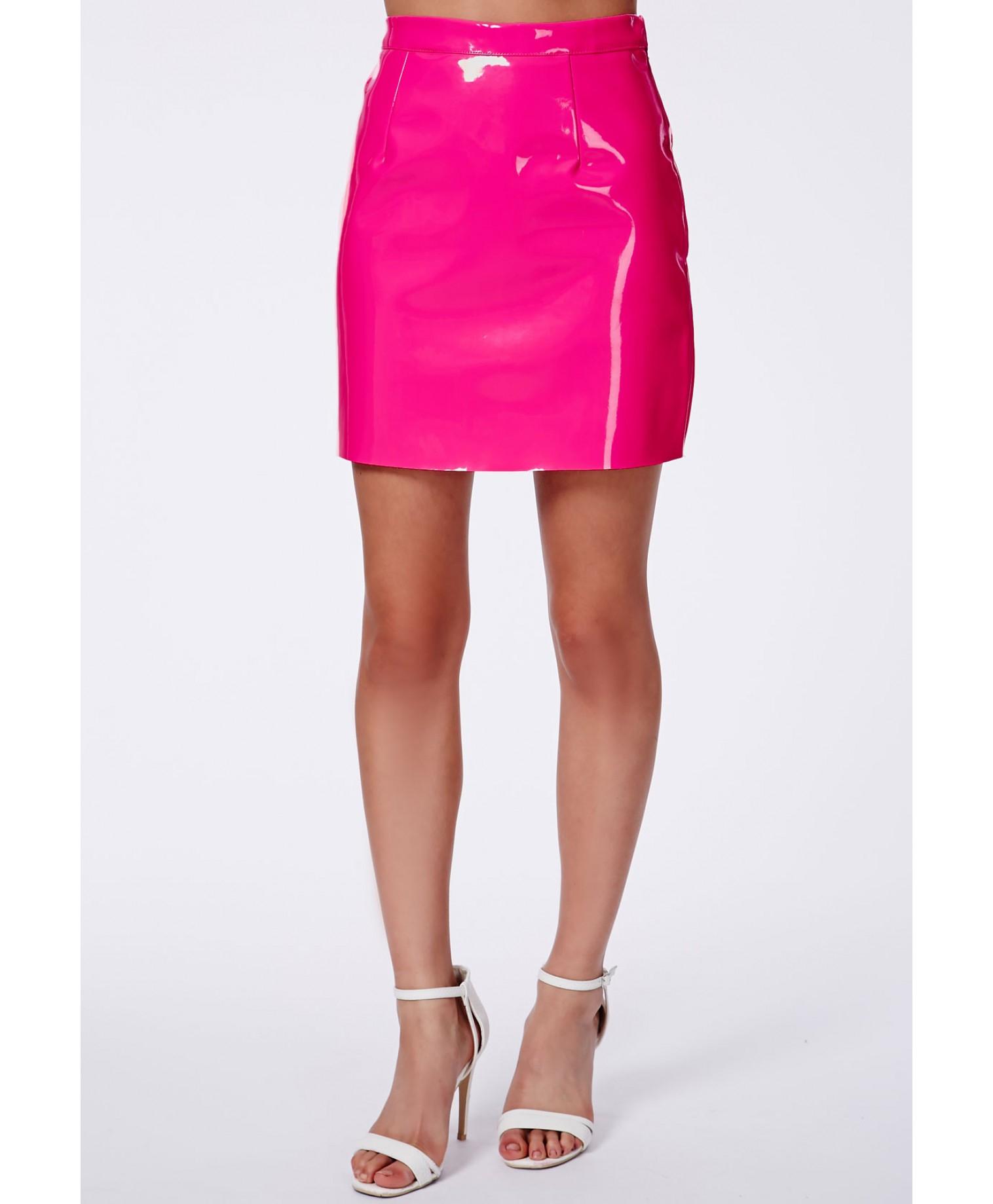 Final, Pink mini skirt join
