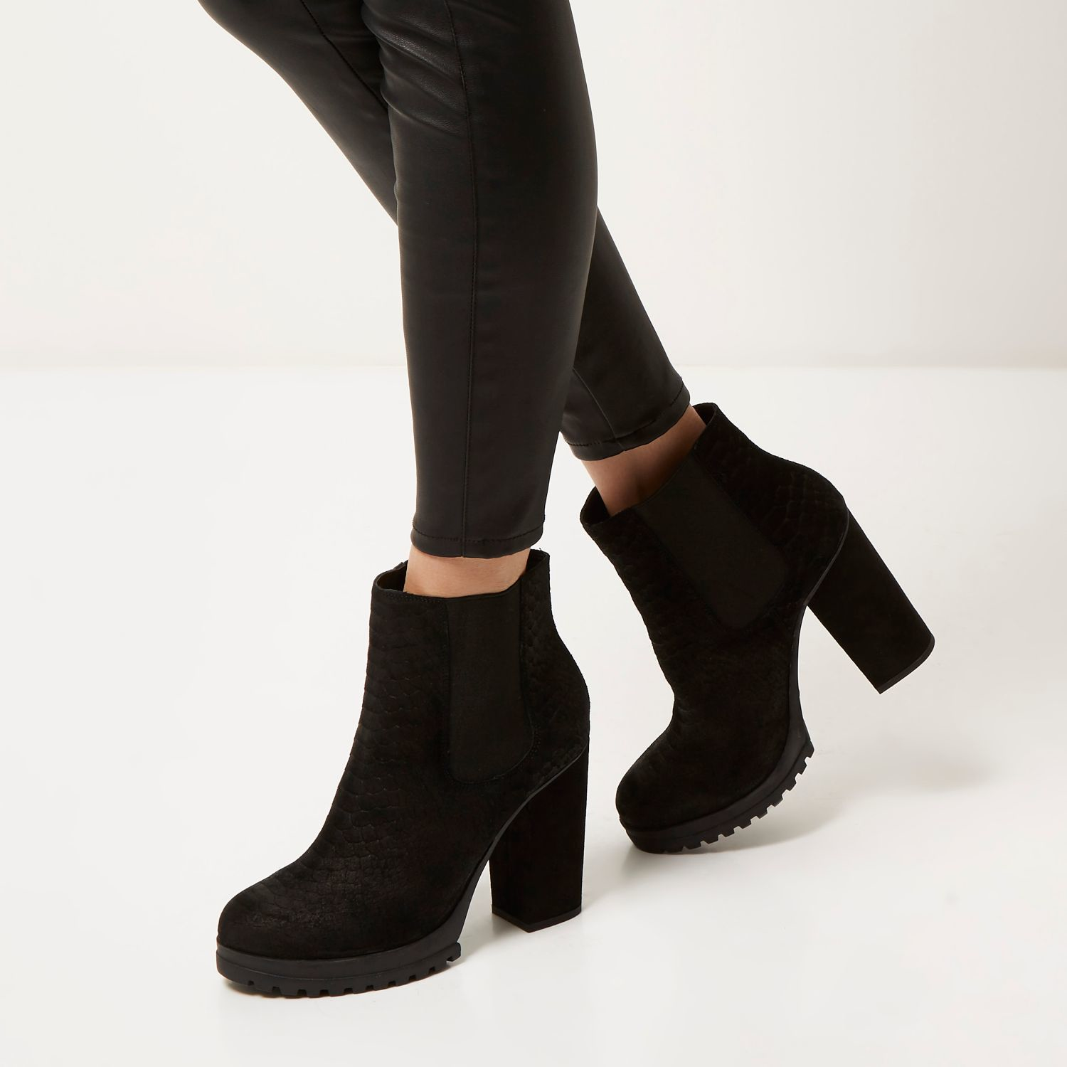 815369097464 River Island Black Suede Heeled Ankle Boots in Black - Lyst