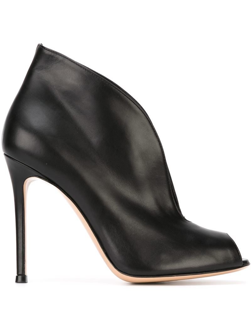 Gianvito Rossi Leather 'Vamp' Booties in Black