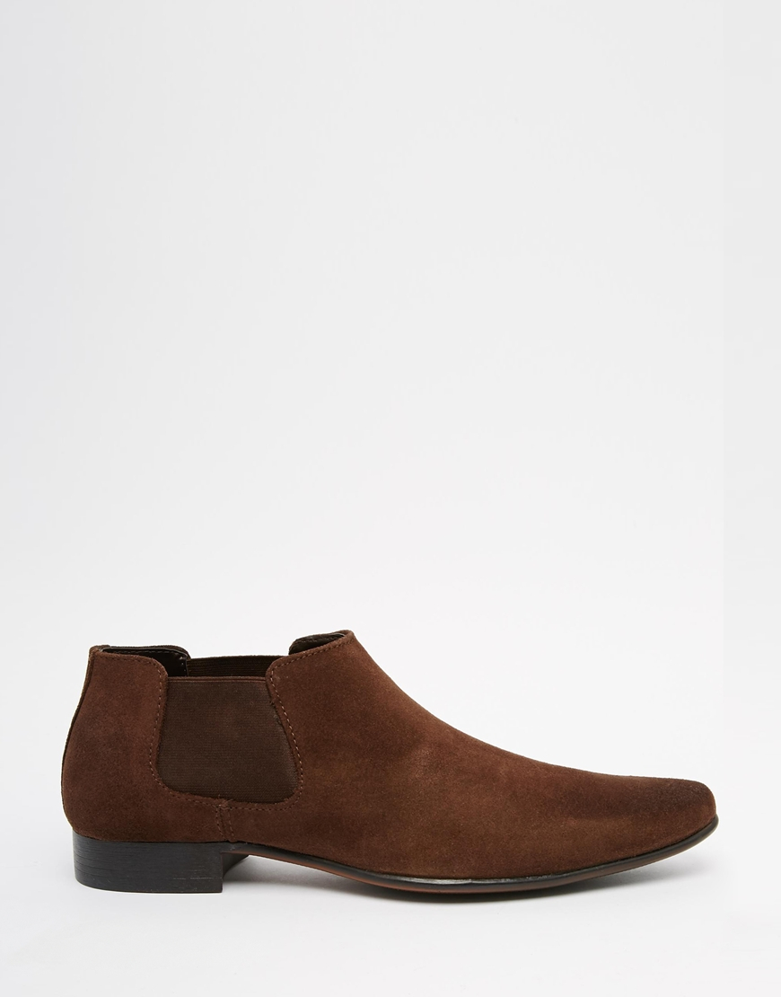 asos chelsea boots in brown suede with low height in brown