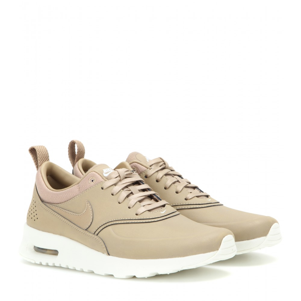 Women S Nike Beige Shoes