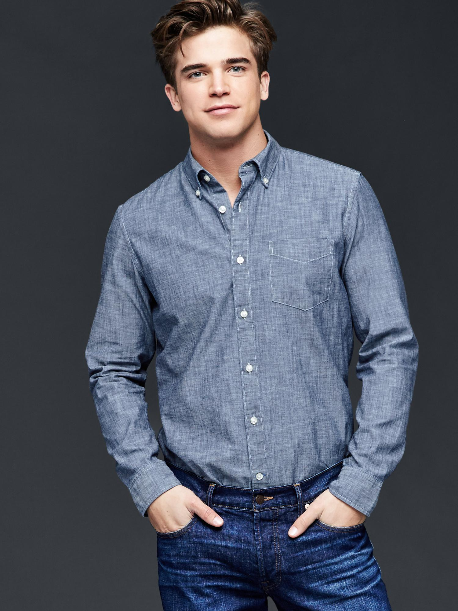 10 Best Chambray Shirts For Men. Posted in GEAR GUIDES, SHIRTS By Beau Hayhoe. If there's a modern answer to past style classics like the blue Oxford, it just might be the chambray shirt. Pair it with some slim Levi's jeans and dark brown boots for your .