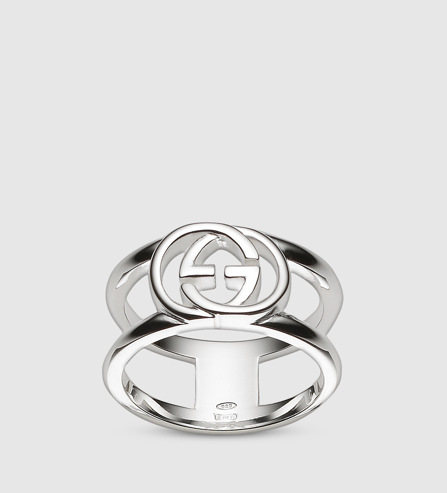 f2de4fbbc Gucci Wide Ring With Interlocking G Motif in Metallic - Lyst