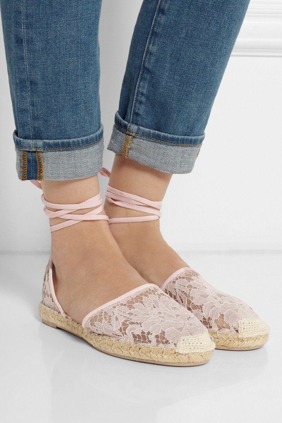 Valentino Lace Espadrilles in Pink - Lyst
