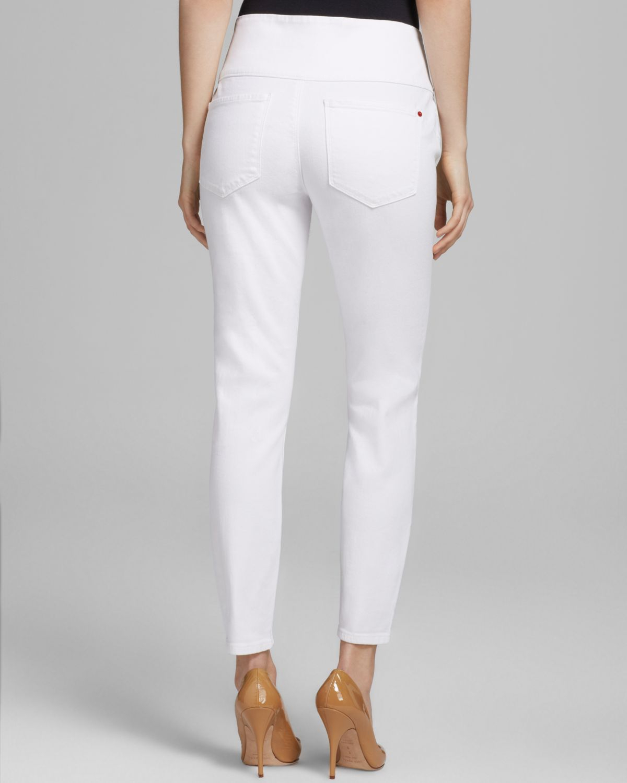 fa99f9736bdda3 Spanx ® Cropped Denim Leggings in White - Lyst