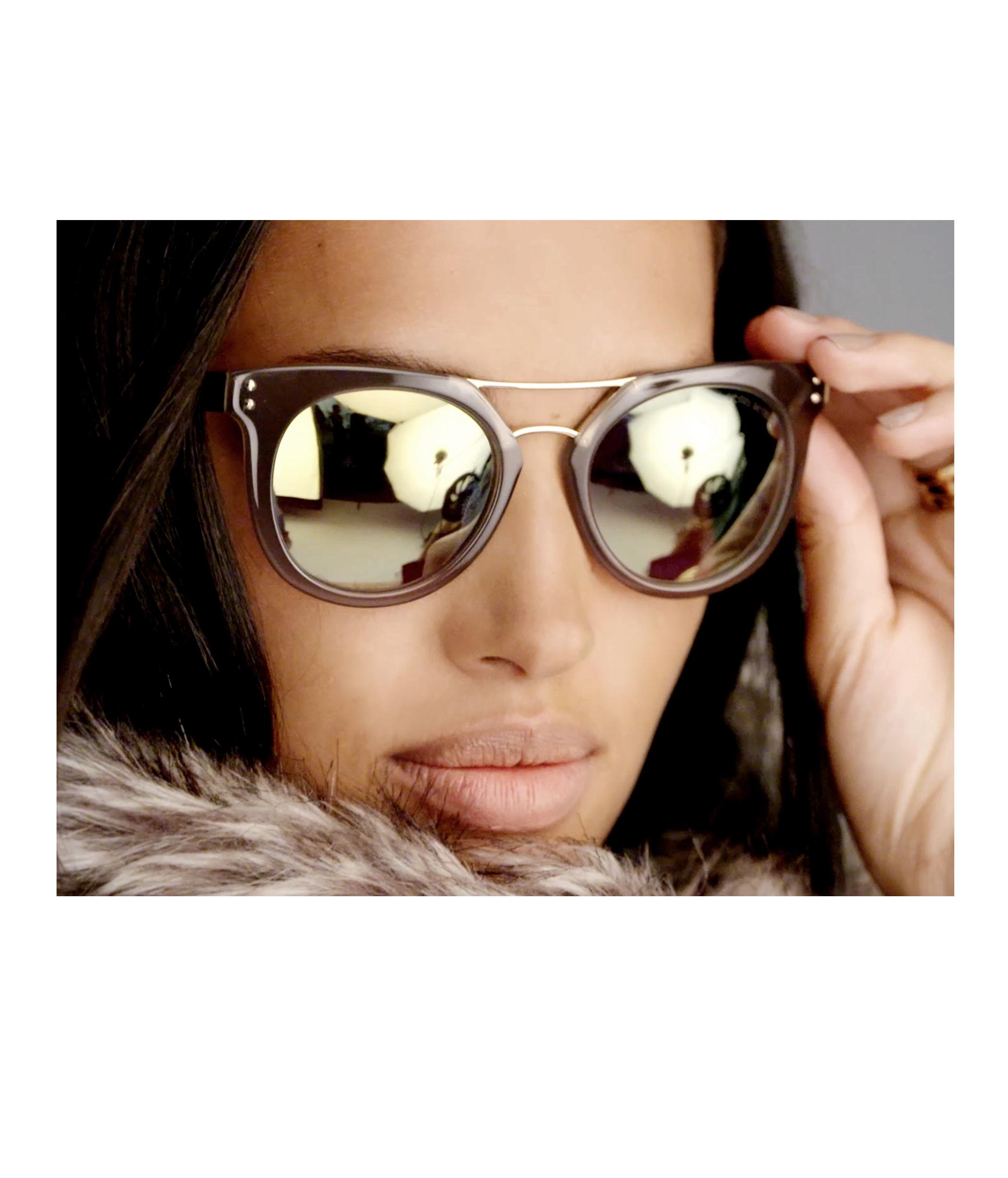 Henri Bendel Broadway Sunglasses In Yellow Lyst