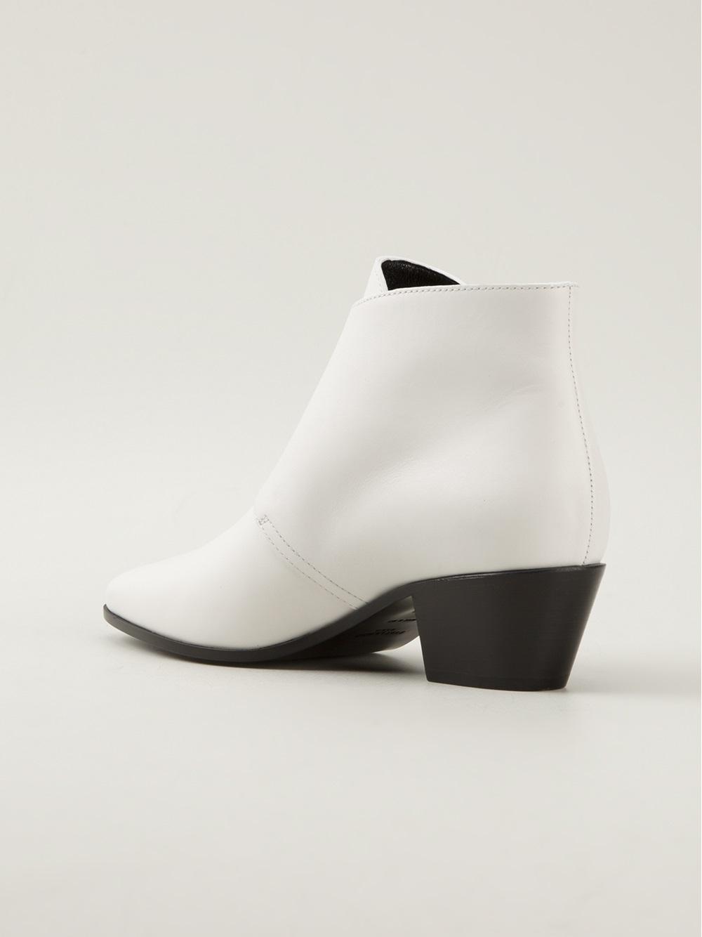 Saint Laurent 'Wyatt 40' Ankle Boots in