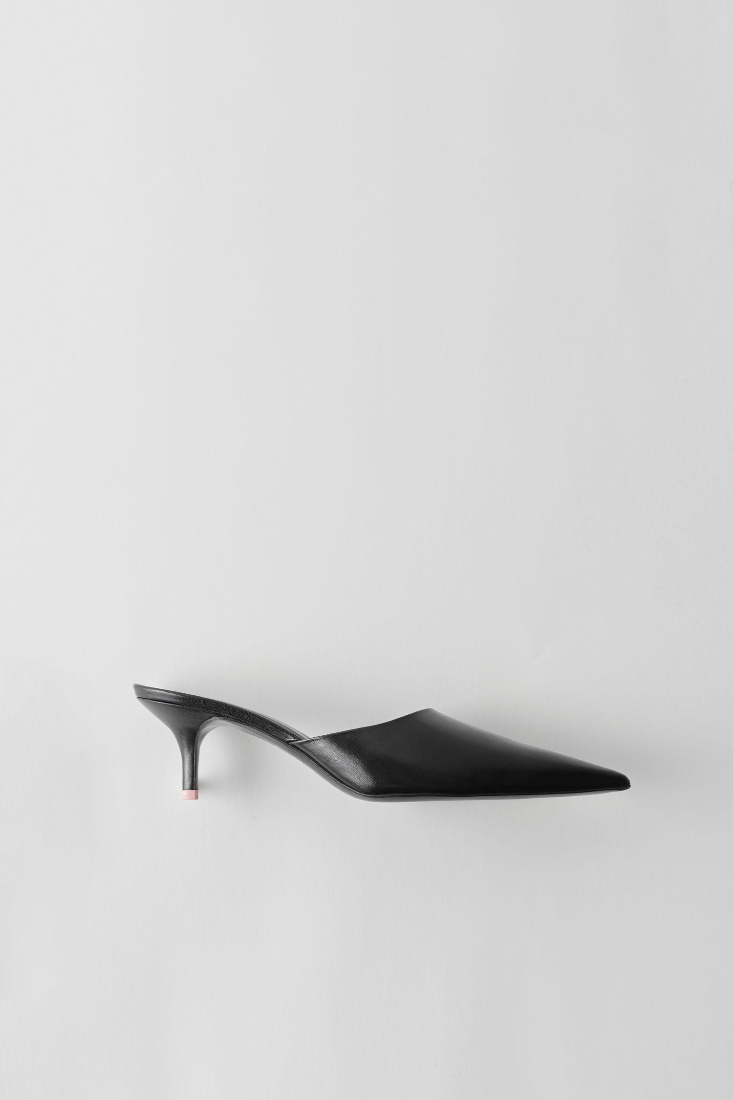 6681ae8fa2c Acne Studios Fn-wn-shoe000055 Black Pointed Toe Mule in Black - Lyst