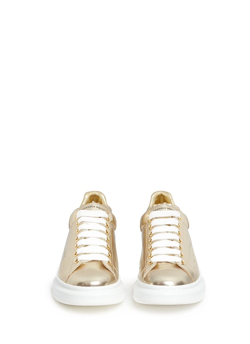 Alexander McQueen Chunky Outsole Metallic Leather Sneakers in Natural