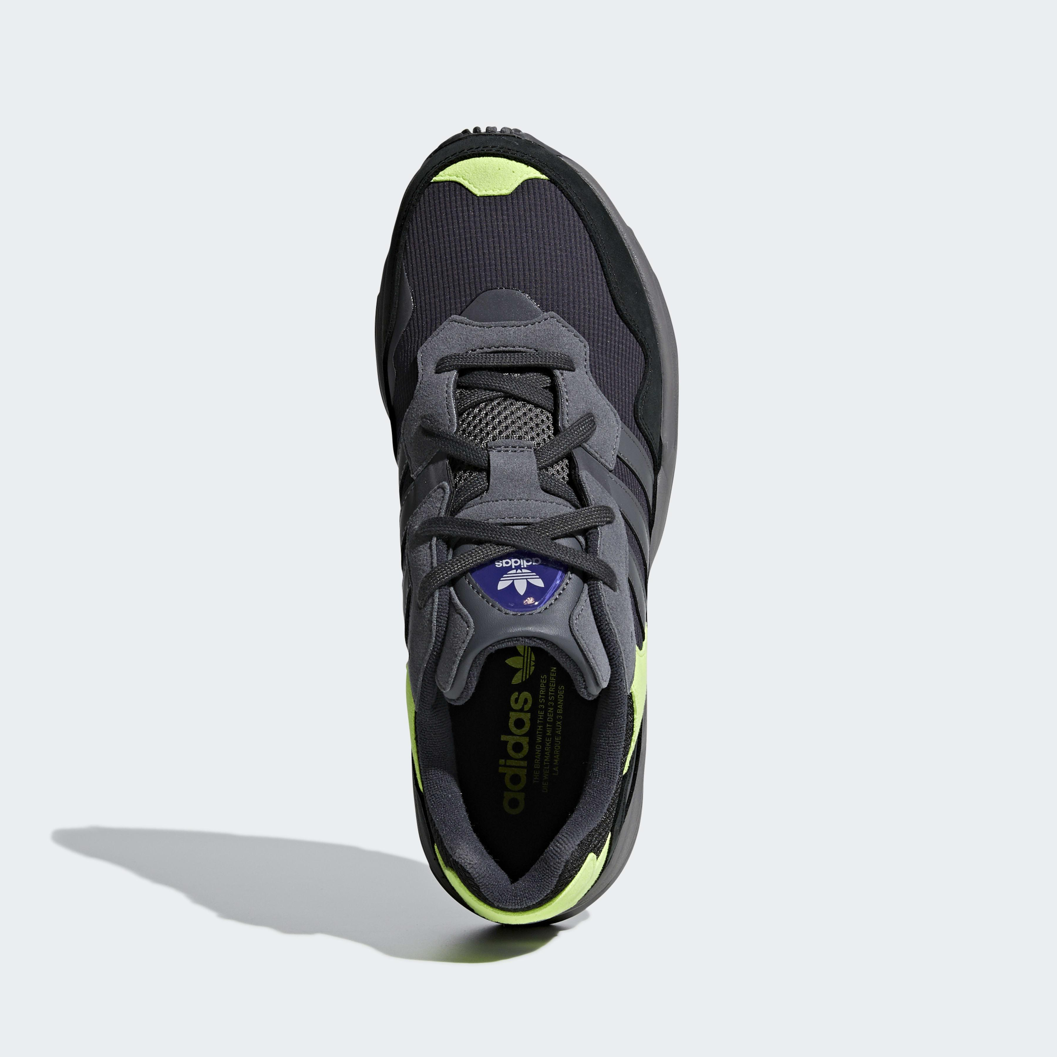 Chaussure Yung-96 Daim adidas pour homme en coloris Gris