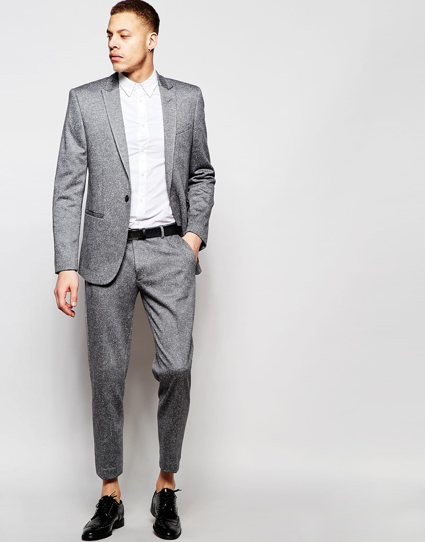 Our men's skinny fit suits come in a choice of colours and materials so you can look good, whatever the occasion. Make sure you wear a skinny fit shirt underneath to avoid excess shirt fabric ruining the silhouette of your suit.