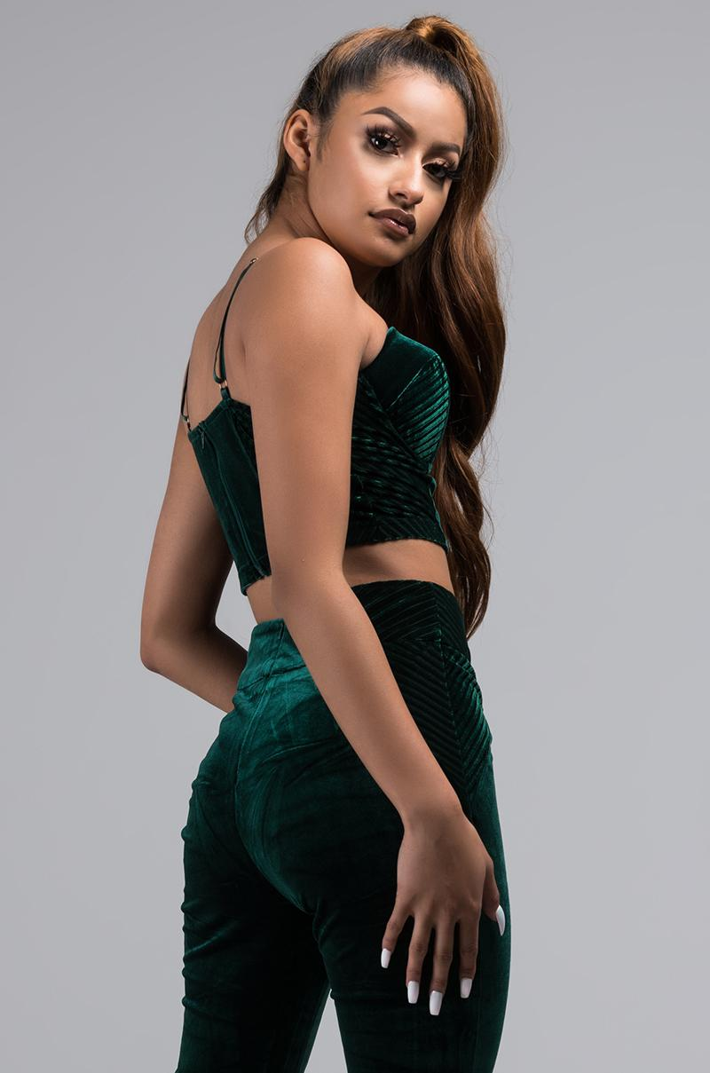 28c4faa872 AKIRA Take Me To Your Mansion Velvet Crop Top in Green - Lyst