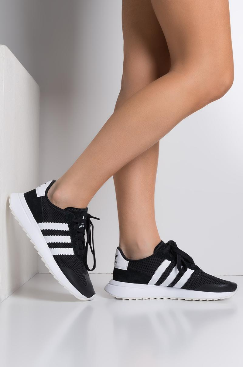 Flashback Sneaker