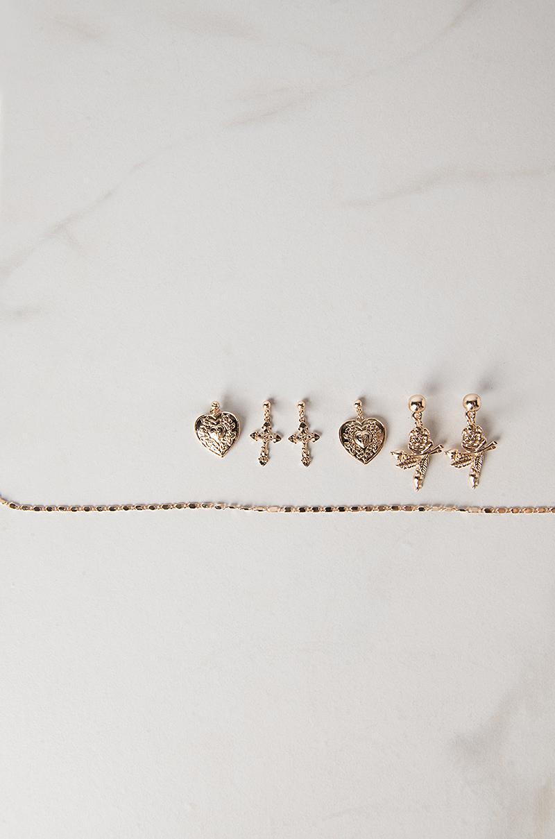 AKIRA Cupid Chokehold Choker Set in Gold (Metallic)