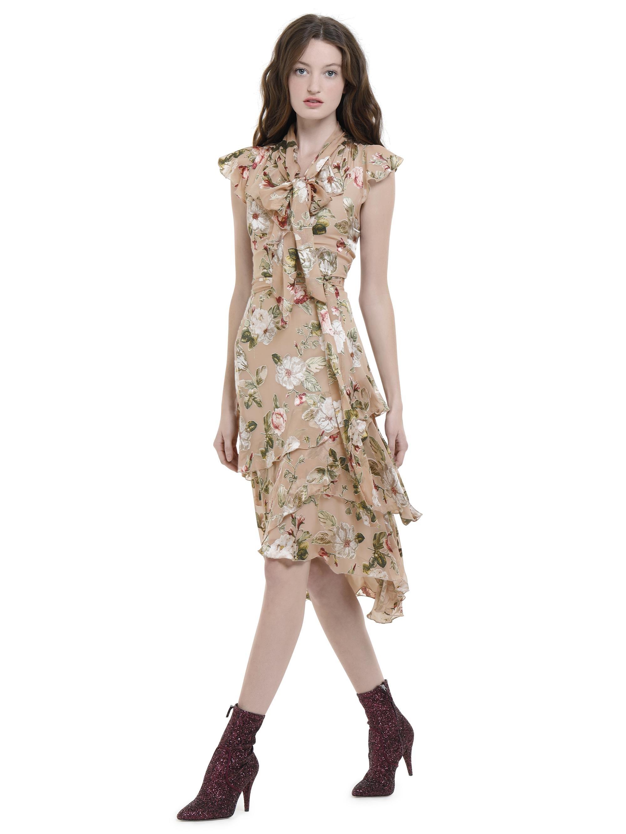 49711a681cc78 Alice + Olivia Lavenia Bow Collar Midi Dress in Natural - Lyst