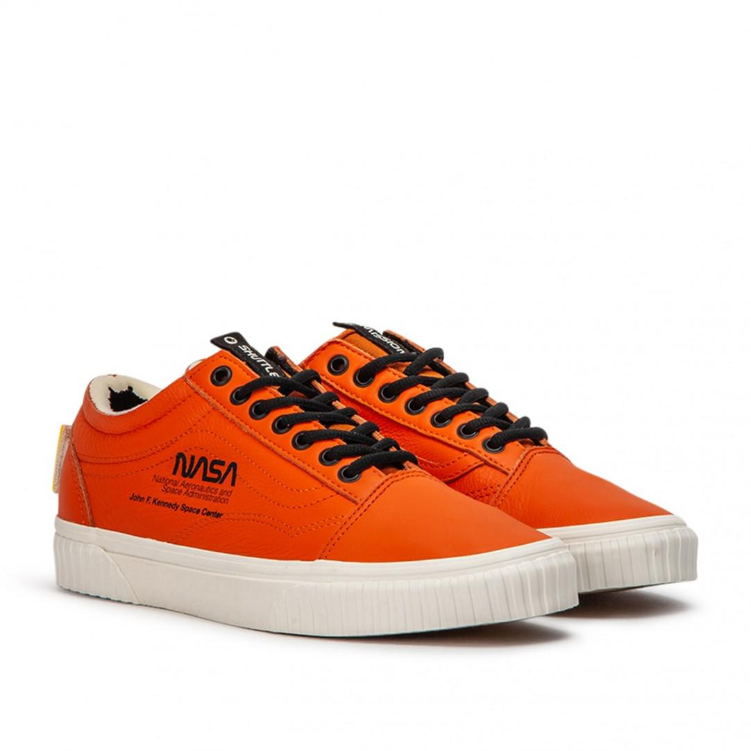 8b82e9c9bd6930 Lyst - Vans Old Skool in Orange for Men - Save 46%