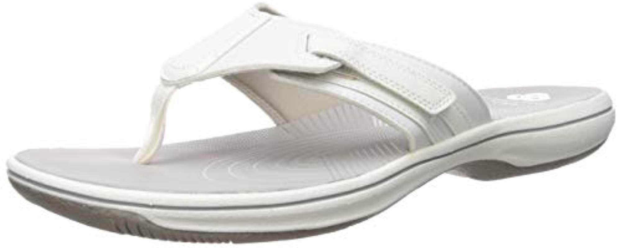Size 6.0 Clarks Women/'s Brinkley Sail Flip-Flop Navy Synthetic