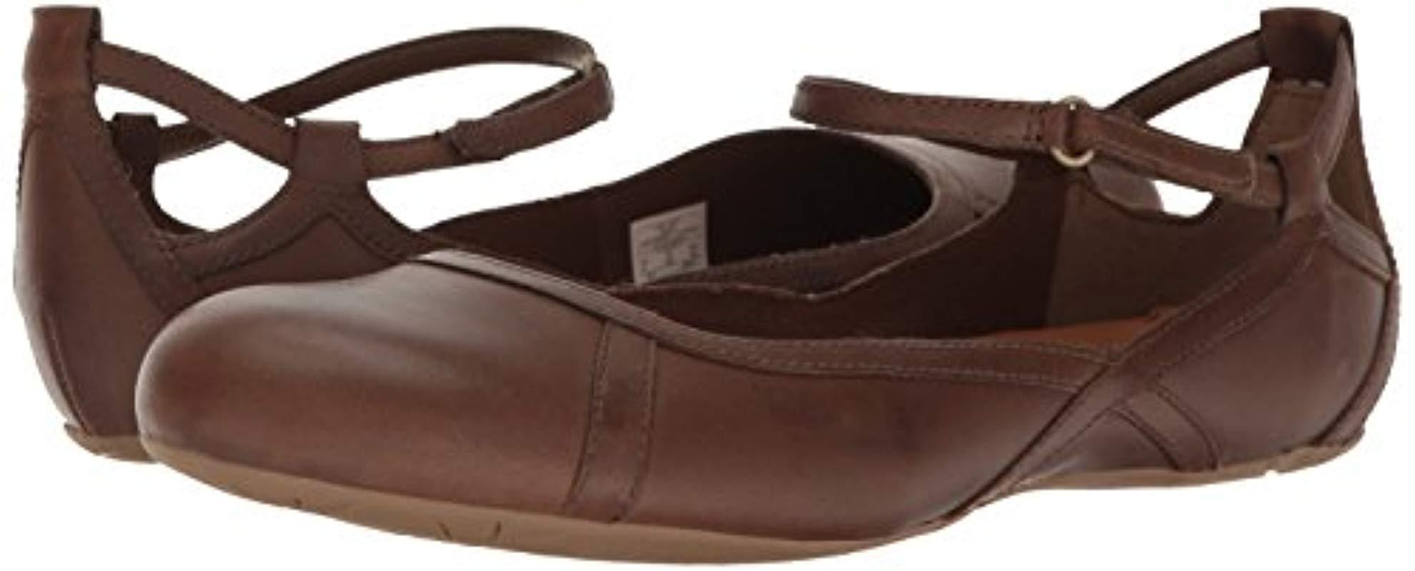 b2fd67da Women's Brown Ember Bluff Strap Flat Shoes