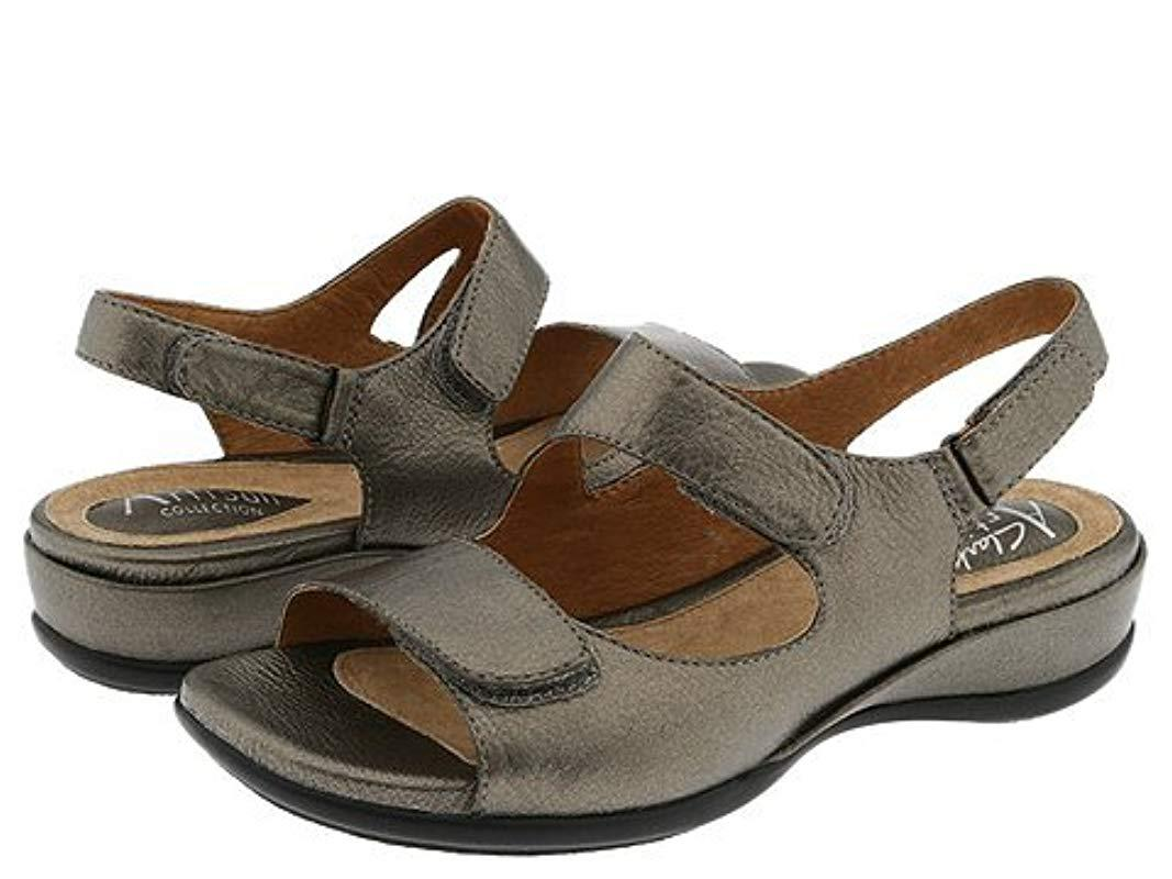 Clarks. Women's Brown Sarasota Sandal