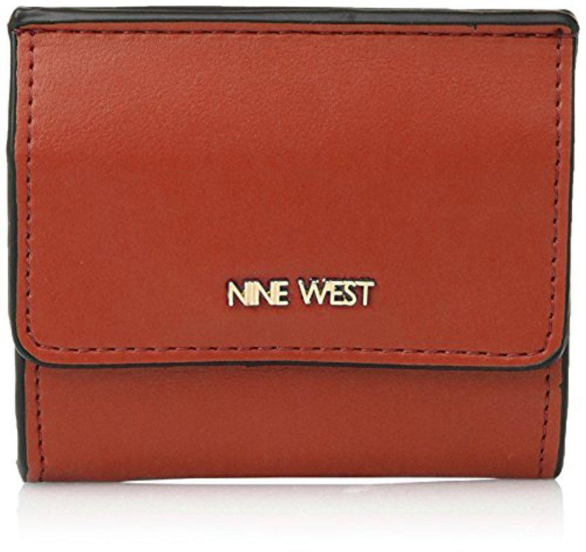 Lyst - Nine West Flap Card And Coin Case in Orange 7e626b43abb45