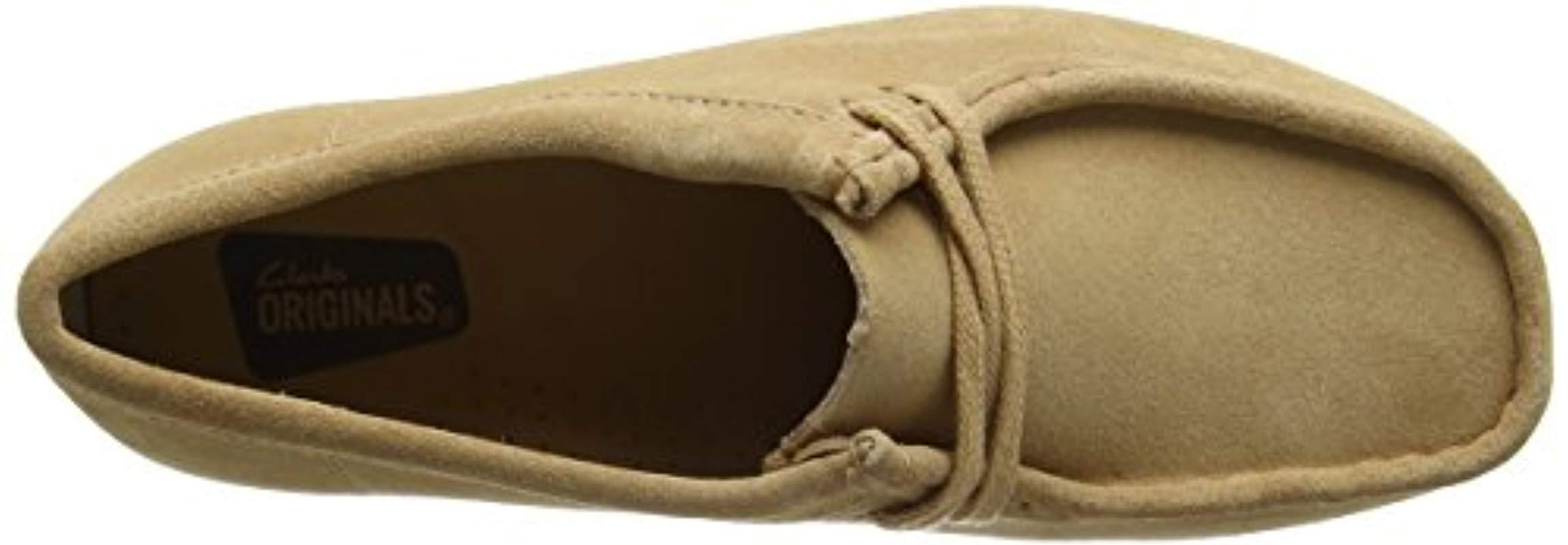Clarks Leather Wallabee Derbys in Natural