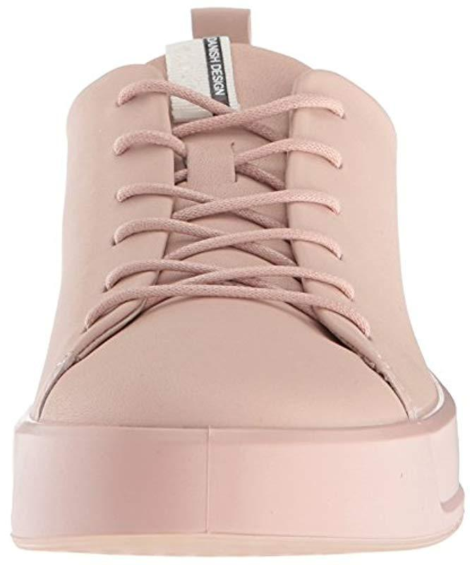 Ecco Leather Soft 8 Sneaker in Pink