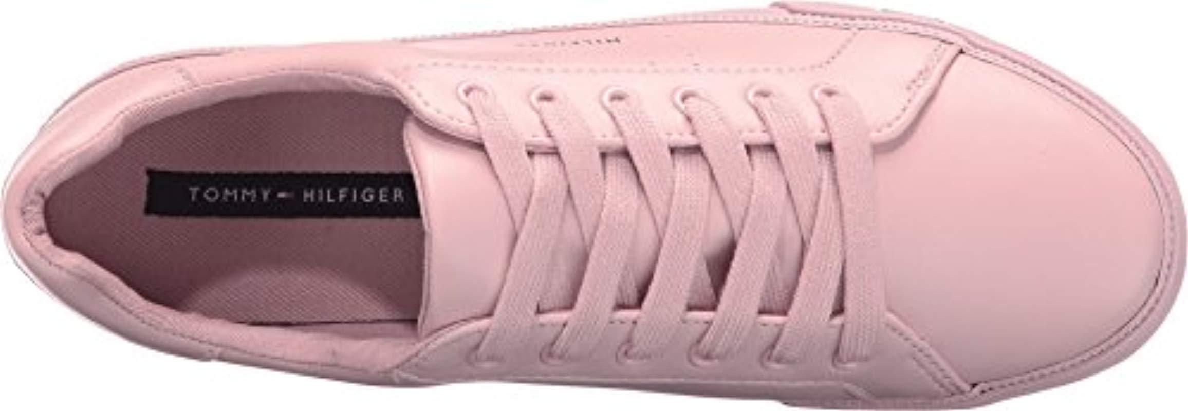 Tommy Hilfiger Luster Sneaker in Blush