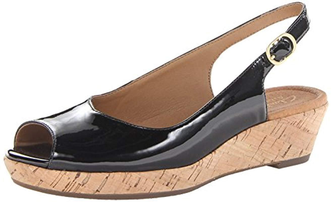 422862425608 Clarks - Black Womens Orlena Leather Round Toe Casual Platform Sandals -  Lyst