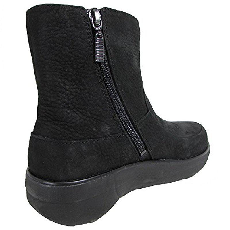 e249563256e4 Fitflop - Black Loaff Shorty Zip Nubuck Winter Boot - Lyst. View fullscreen