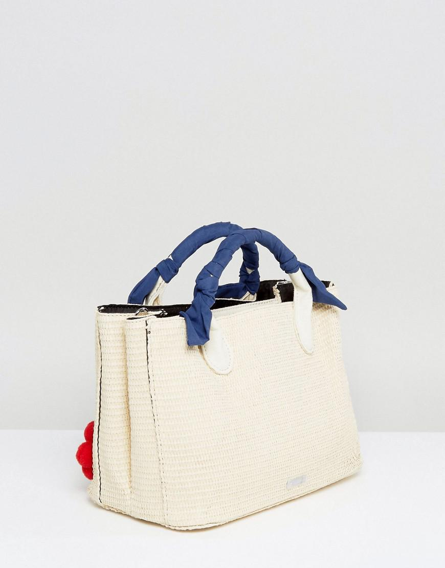 Skinnydip London Cotton Straw Tote Bag With Floral Pom Detail in Beige (Natural)
