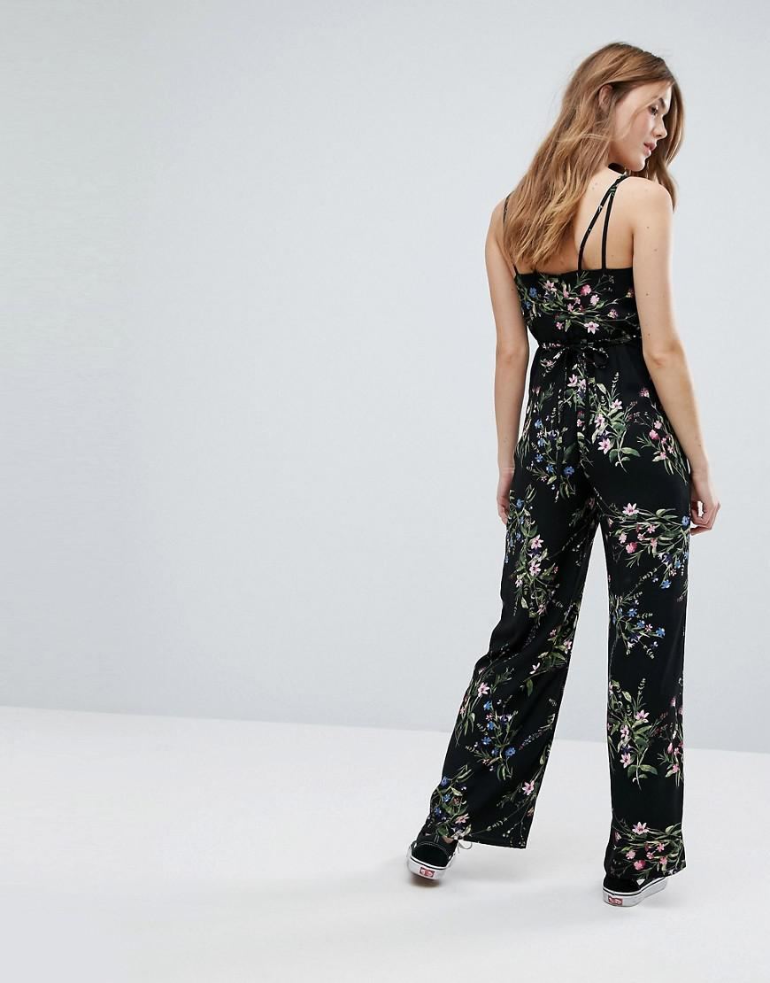 96b7e9ccce7 Lyst - New Look Floral Strappy Jumpsuit in Black