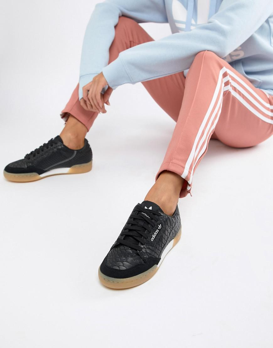Sneakers In Black With Gum Sole