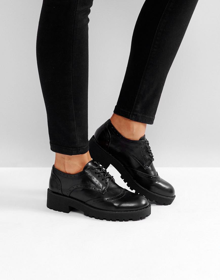 London Rebel Lace Up Brogue Shoe in