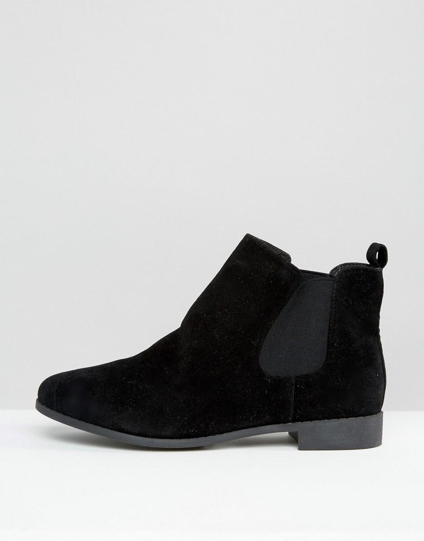 Brave Soul Chelsea Boots in Black for