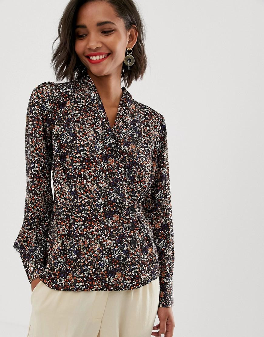 2450856ca41eae Lyst - Y.A.S Floral Top With Button Detail in Black