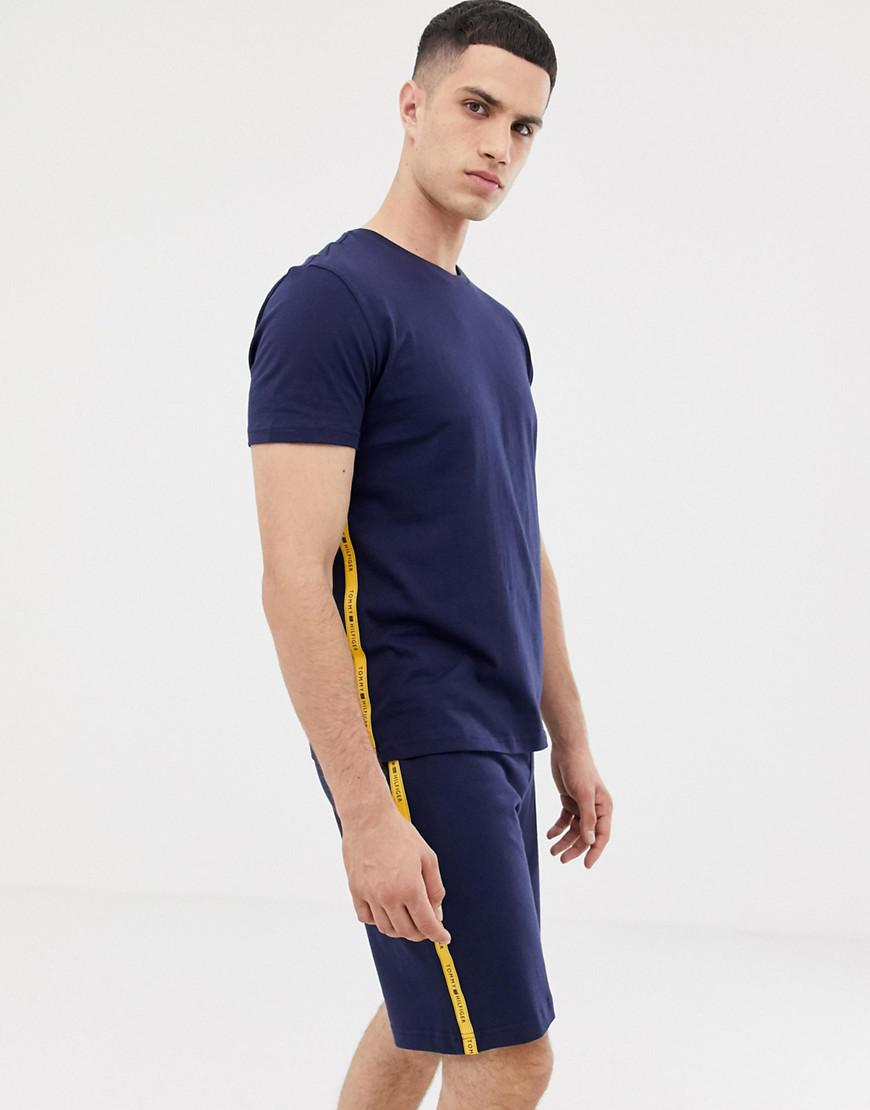 e22800937 Tommy Hilfiger. Men's Blue Crew Neck T-shirt With Contrast Sleeve Taping ...