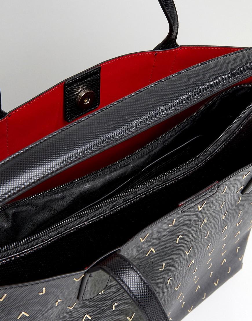 8acb2df526 Versace Jeans Vj Medium Tote Bag in Black - Lyst