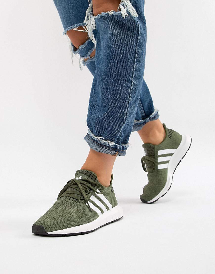 Swift Run Sneakers In Khaki