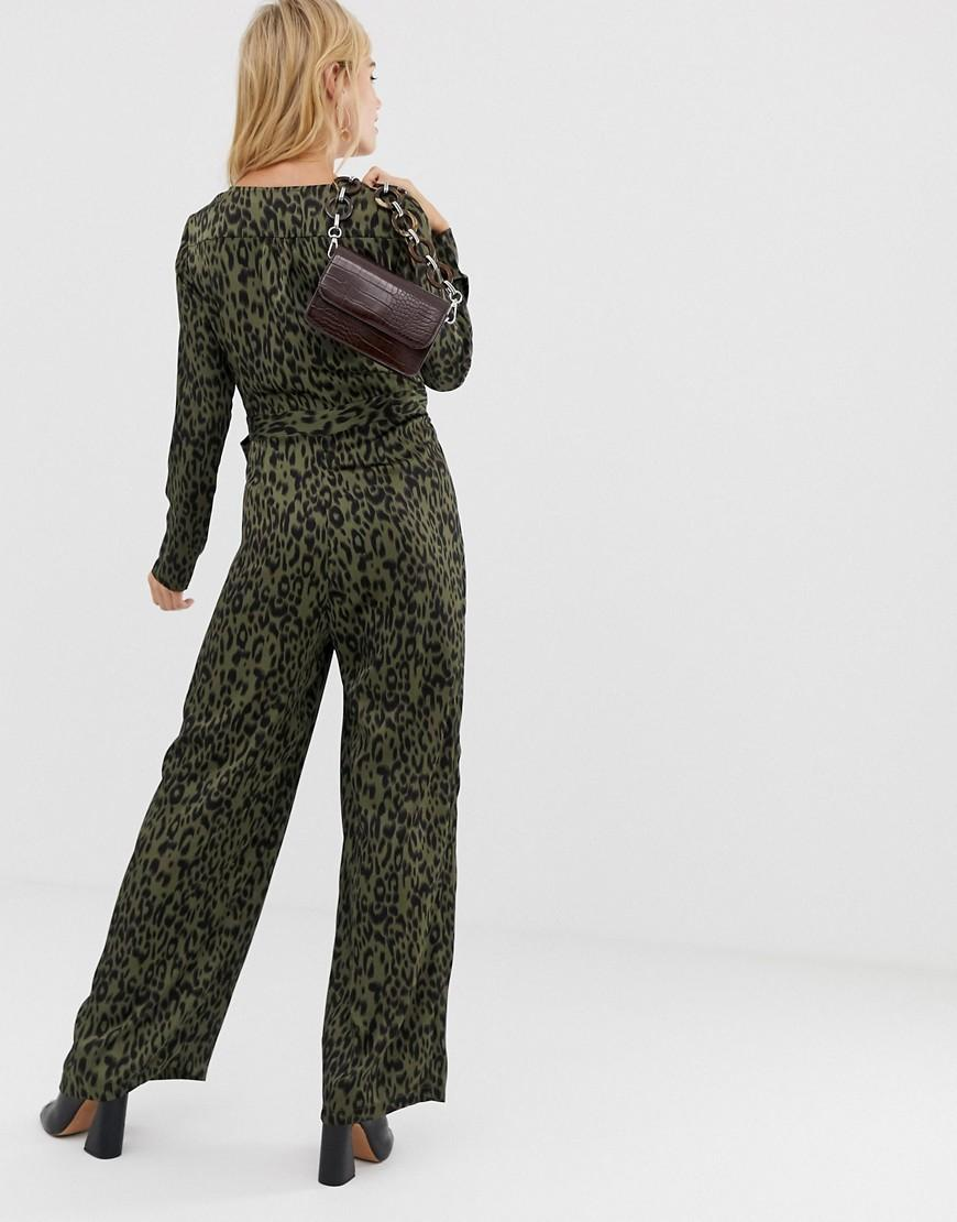 9ddcb5a2fe Liquorish Wrap Front Jumpsuit In Leopard Print With Tie Belt in Green - Lyst
