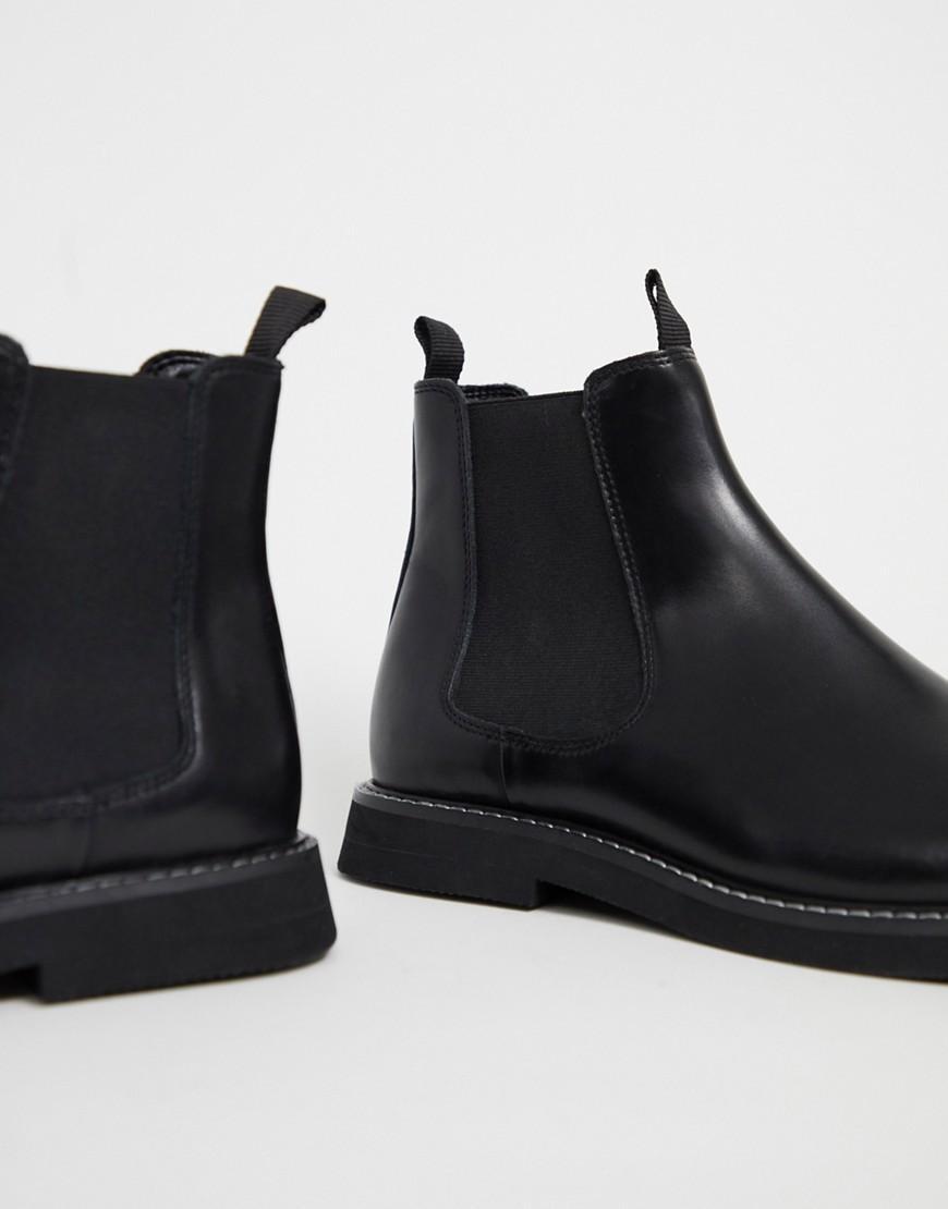 Chelsea Stiefel aus schwarzem Leder mit robuster Sohle