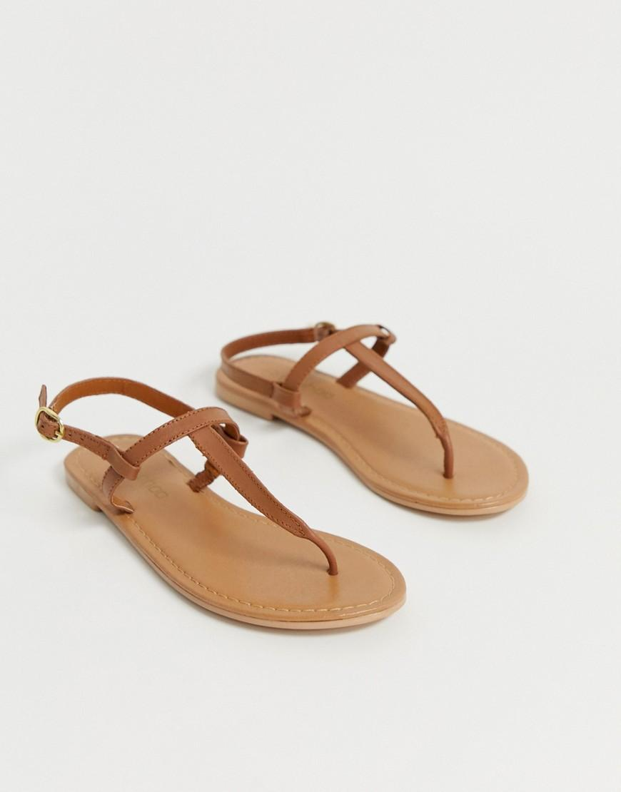 ed40184889f0 Boohoo Toe Thong Leather Flat Sandals In Tan in Brown - Lyst