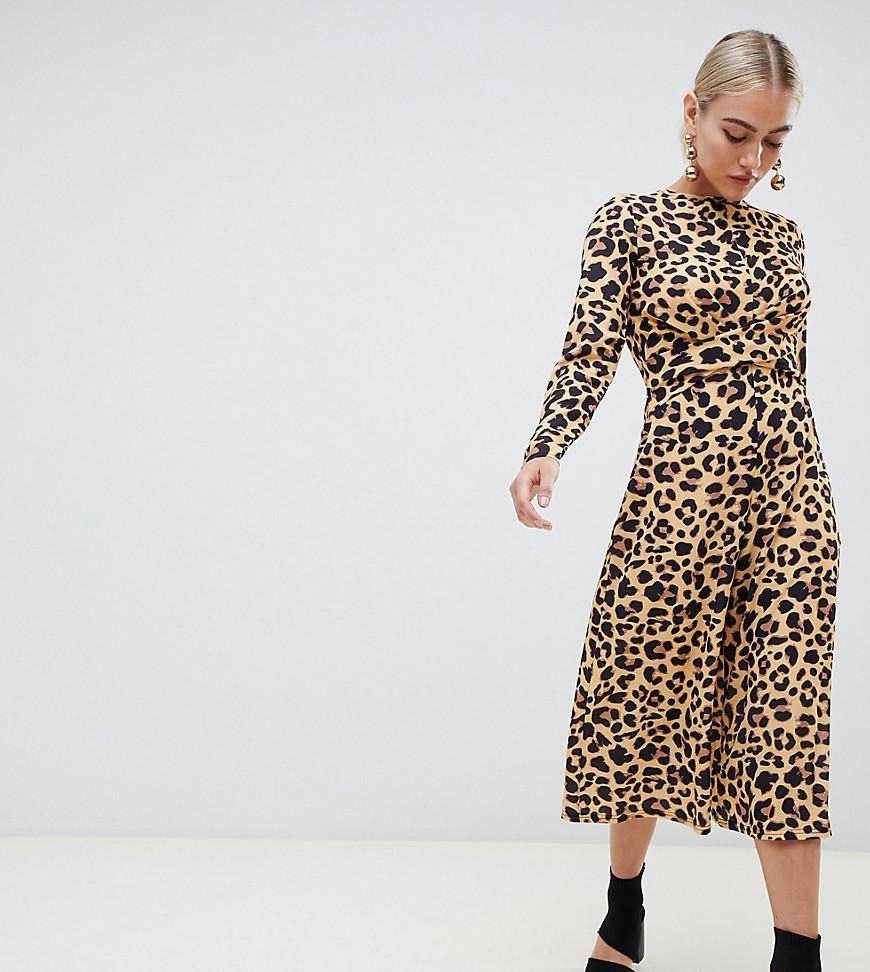 febc4bbe7a12 Lyst - Boohoo Exclusive Petite Culotte Jumpsuit In Leopard