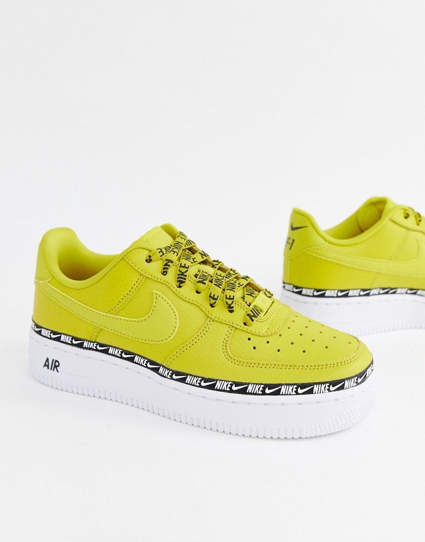 Air Force 1 - Sneakers gialle con fettuccia e logo di Nike in ...