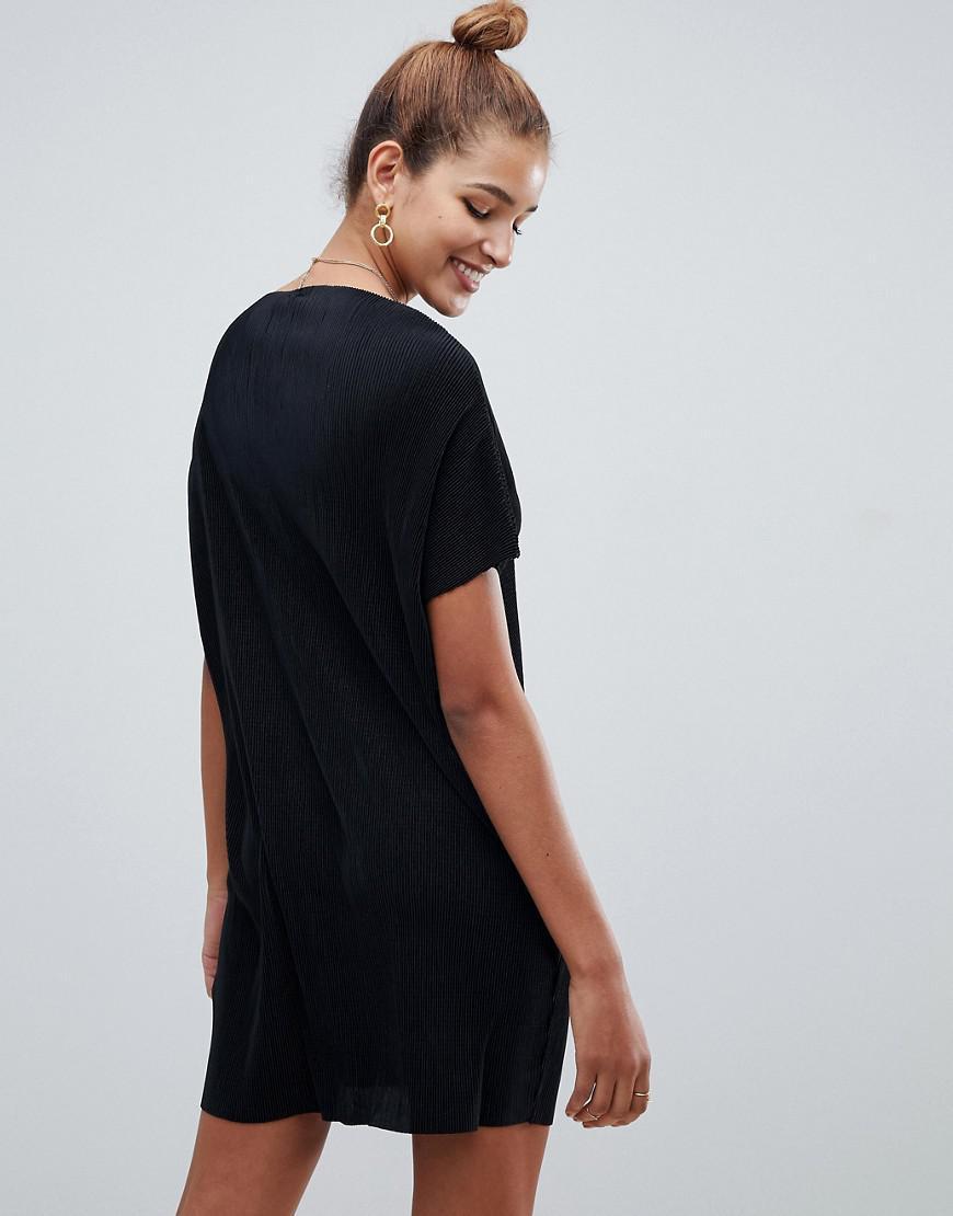 b4e19f4d94d2 Lyst - ASOS Slash Neck T-shirt Dress In Plisse in Black
