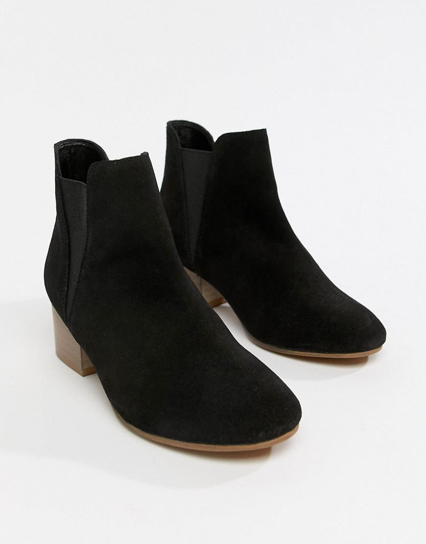 5b6fbefca45 Asos Design Wide Fit Resist Suede Ankle Boots in Black - Lyst