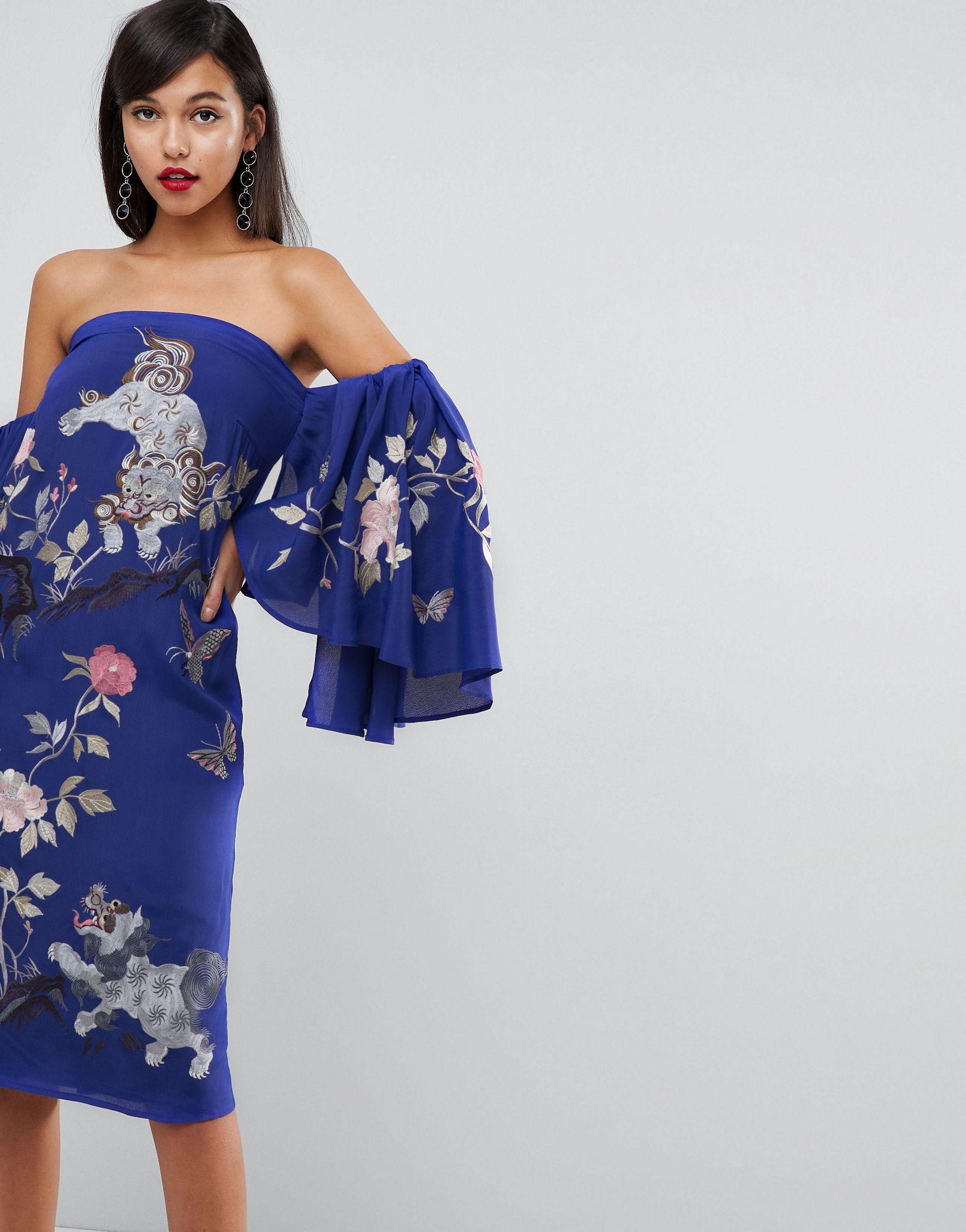 ASOS - Robe mi-longue style Bardot à manches larges et broderie dragon Jean ASOS en coloris Bleu